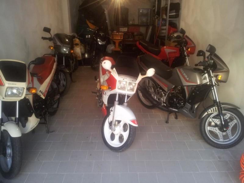 Il garage di Andrea con l'ultima arrivata, una rara KZ Endurance